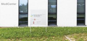 Eingang der Zahnarztpraxis Kümmel in Mutlangen bei Schwäbisch Gmünd