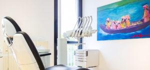 Behandlungszimmer der Zahnarztpraxis Dr. Kümmel in Mutlangen